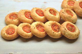 Pizzette con impasto alla mozzarella da fare con il bimby