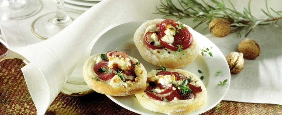 Bimby: ecco le pizzette con cipolla, gorgonzola e noci