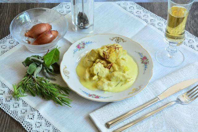 pollo-a-pezzi-in-salsa-di-panna-e-zafferano-con-il-bimby-a1697