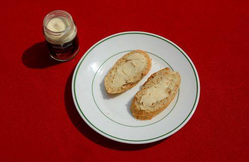 Ricotta forte: un tesoro spalmabile da usare in cucina