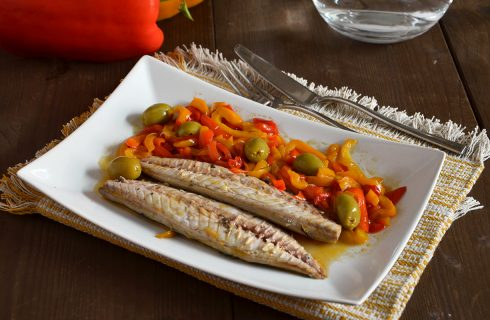 Sgombro con peperoni: secondo saporito