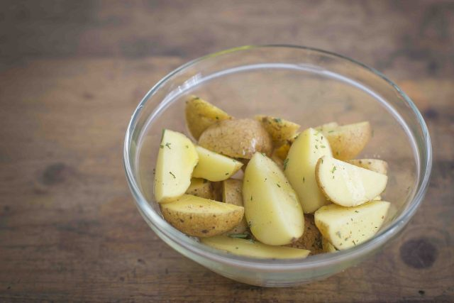step-3-agnello-al-forno-con-patate