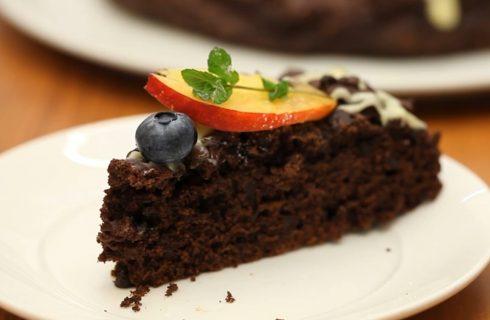 Torta al cioccolato senza bilancia, pratica e golosa