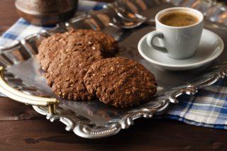 Biscotti ai cereali al cioccolato: fragranti