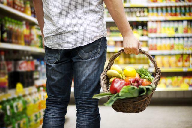 comprare frutta e verdura
