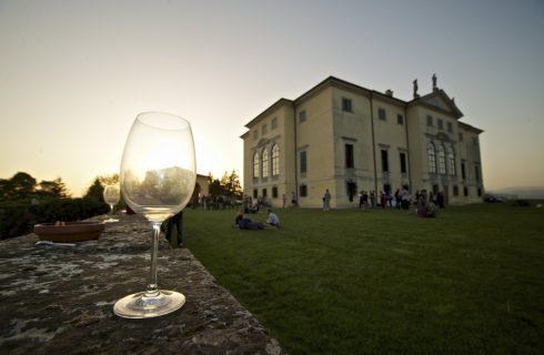 VinNatur: Degustazione di vini naturali a Villa La Favorita dal 14/4 al 16/4