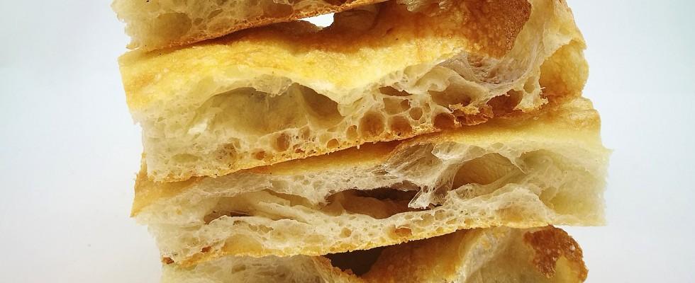 Pizza Bianca Romana: le origini e la storia dello street food della Capitale