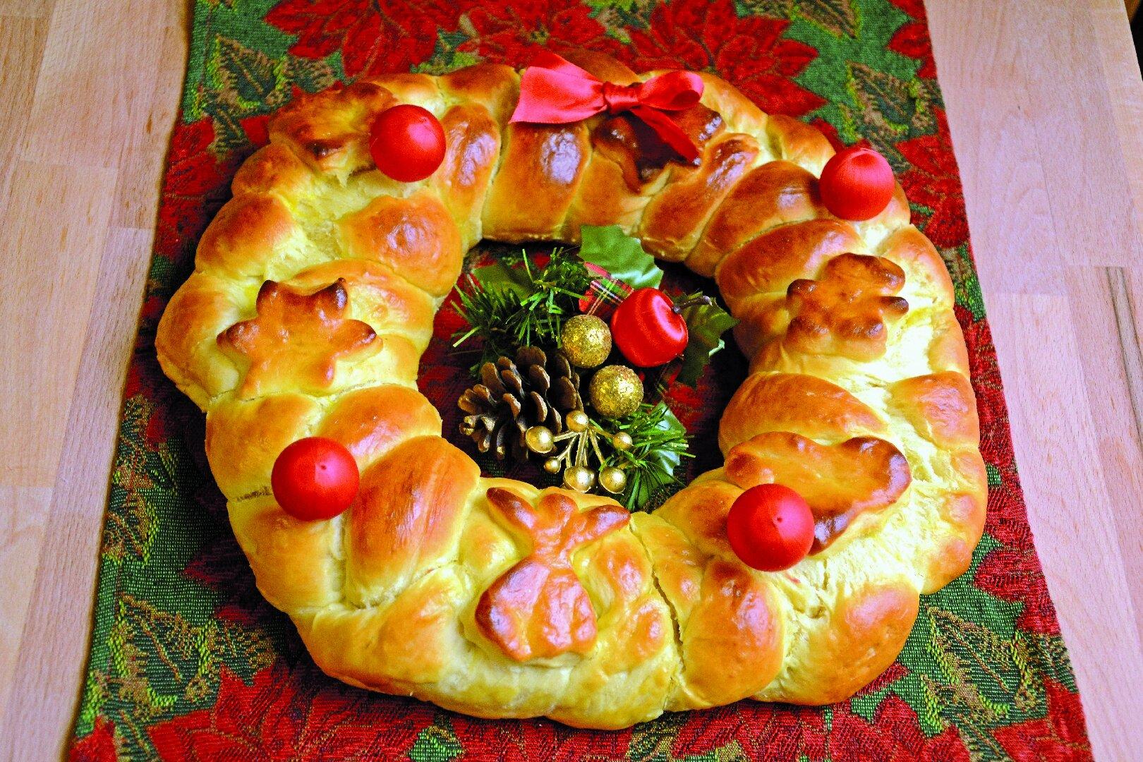 Dolci Di Natale Con Il Bimby.Ricette Ghirlanda Dolce Di Natale Preparata Con Il Bimby Agrodolce