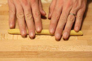 Gnocchetti sardi: pasta fatta in casa con il bimby