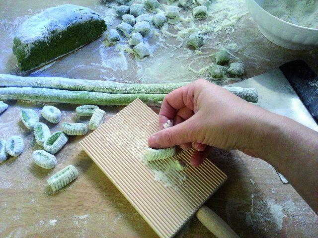gnocchi-agli-spinaci-con-fonduta-di-fontina-a885-3
