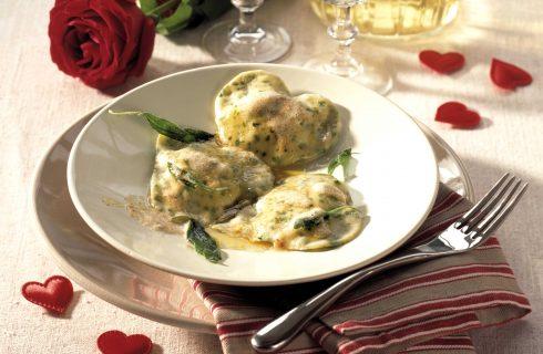 Cuori di pasta, con ricotta panna e pesto: ricetta con il bimby