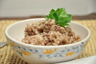 Risotto al Chianti con salsiccia: primo piatto robusto con il bimby