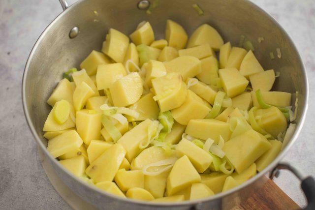step-4-potage-parmentier