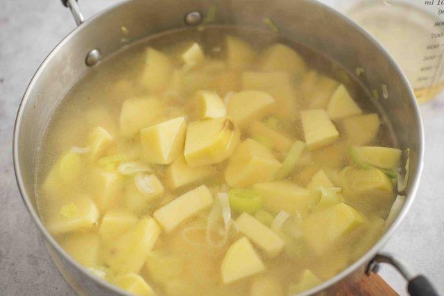 step-5-potage-parmentier
