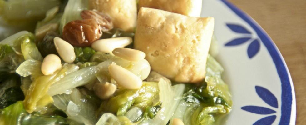 Scarola con pinoli e uvetta, si può preparare anche con il bimby