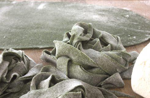 Sfoglia verde agli spinaci con il bimby: pasta all'uovo