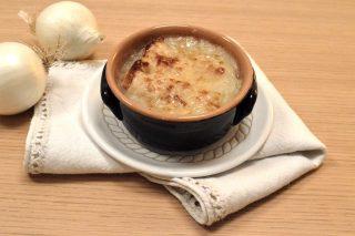 Soupe à l'oignon: cucina francese facile con il bimby
