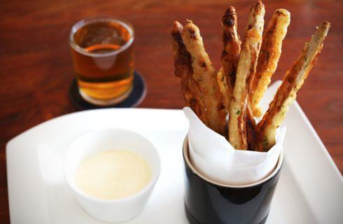 Asparagi fritti in pastella, la ricetta sfiziosa