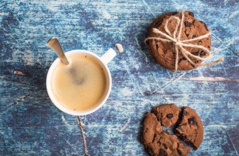 Come preparare i biscotti con fave di cacao