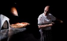 Città della pizza: i maestri napoletani