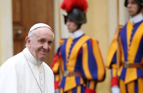 Papa Francesco, un libro svela cosa mangia e cosa cucina