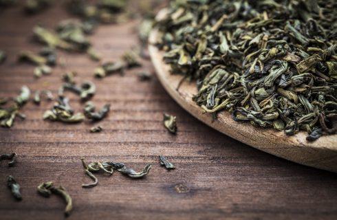 7 modi per cucinare con le foglie di tè, dall'antipasto al dolce
