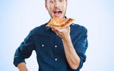 mangiare pizza