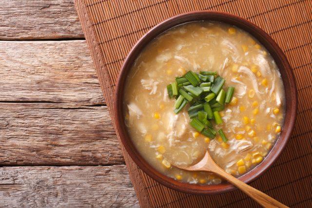 zuppa di pollo e mais