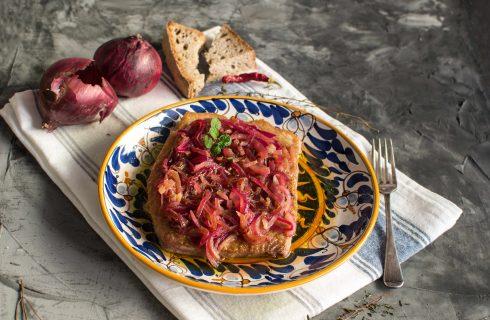 Tonno con cipolle: ispirazione siciliana