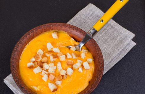 Vellutata di carote detox, la ricetta veloce