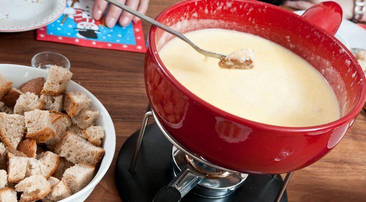 Come preparare la fonduta al puzzone di Moena