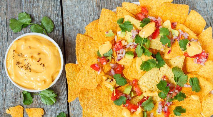 Come preparare la salsa al formaggio per nachos