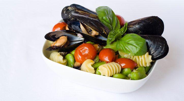 La ricetta della pasta con fave e cozze