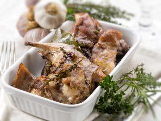 Coniglio agli aromi: la nostra ricetta