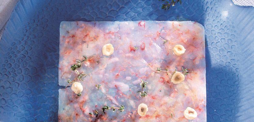 Battuto di gamberi viola con nocciole tostate, pesce crudo fatto in casa