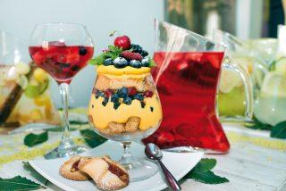 Trifle di frutti di bosco con lemon curd, un fresco dolce al cucchiaio
