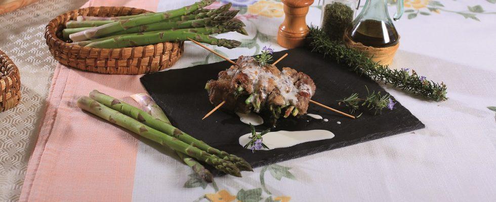 Bocconcini di carne ripieni di asparagi, un goloso secondo in fonduta