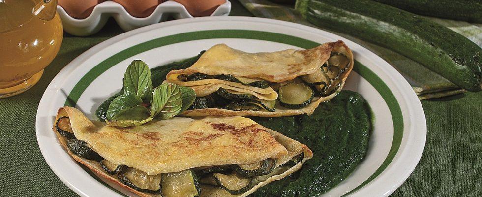 Crespelle con zucchine croccanti, un primo vegetariano veloce e saporito