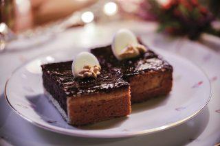 Crostata al cioccolato e noci, un dolce al cioccolato friabile