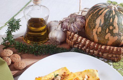 Fazzoletti di pasta con la zucca rossa, un primo autunnale morbido e saporito
