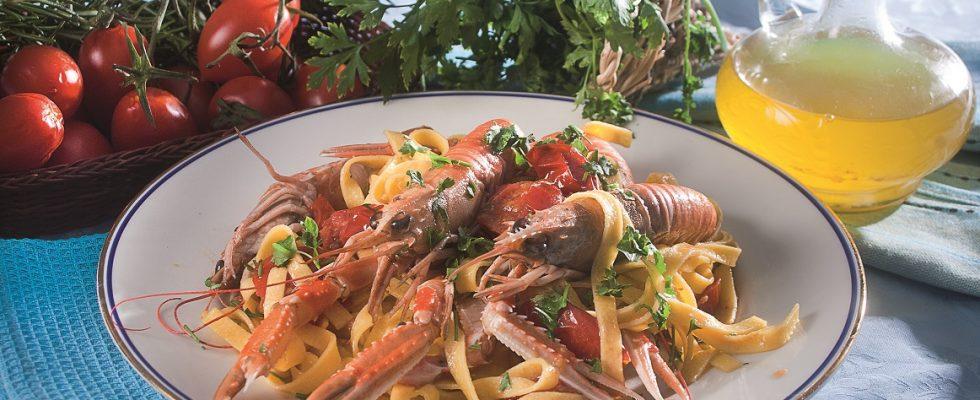 Fettuccine agli scampi, un primo piatto di pesce saporito e fresco