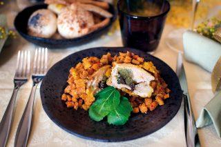 Galletti farciti di uvetta e mandorle, secondo piatto croccante e speziato