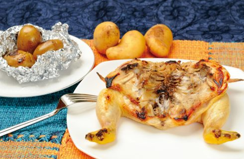 Galletto marinato con patate alla cenere, pronti per le grigliate estive?
