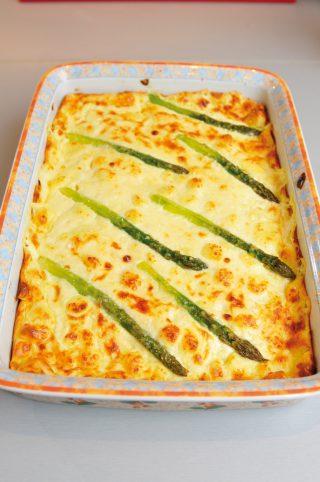 Gnocchi alla parigina con asparagi, un primo piatto al forno