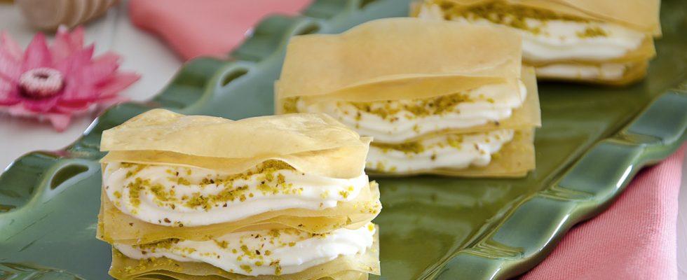 Millefoglie di pasta fillo salata, antipasto sfizioso
