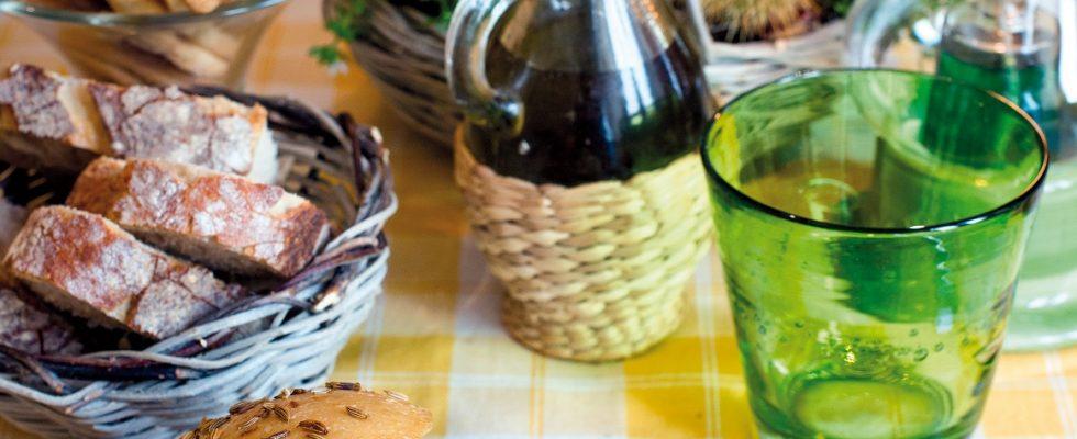 Minestra alle castagne in pagnottella, il primo che riscalderà l'inverno