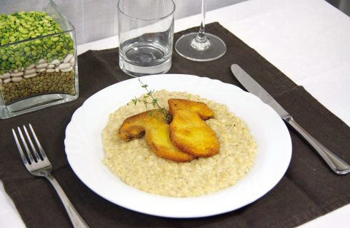 Orzo mantecato con porcini impanati, un primo piatto autunnale