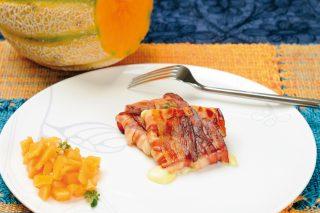 Pancetta e scamorza affumicata con insalata di melone, un secondo fresco e croccante