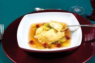 Pierogi in brodo borscht, un primo piatto dall'Est Europa