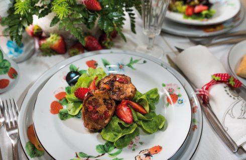 Sella di coniglio farcita con fragole e dadolata di pancetta, un secondo agrodolce